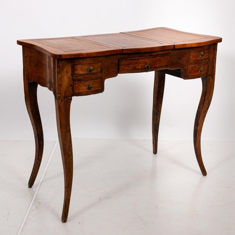French Fruitwood Poudreuse For Sale 1