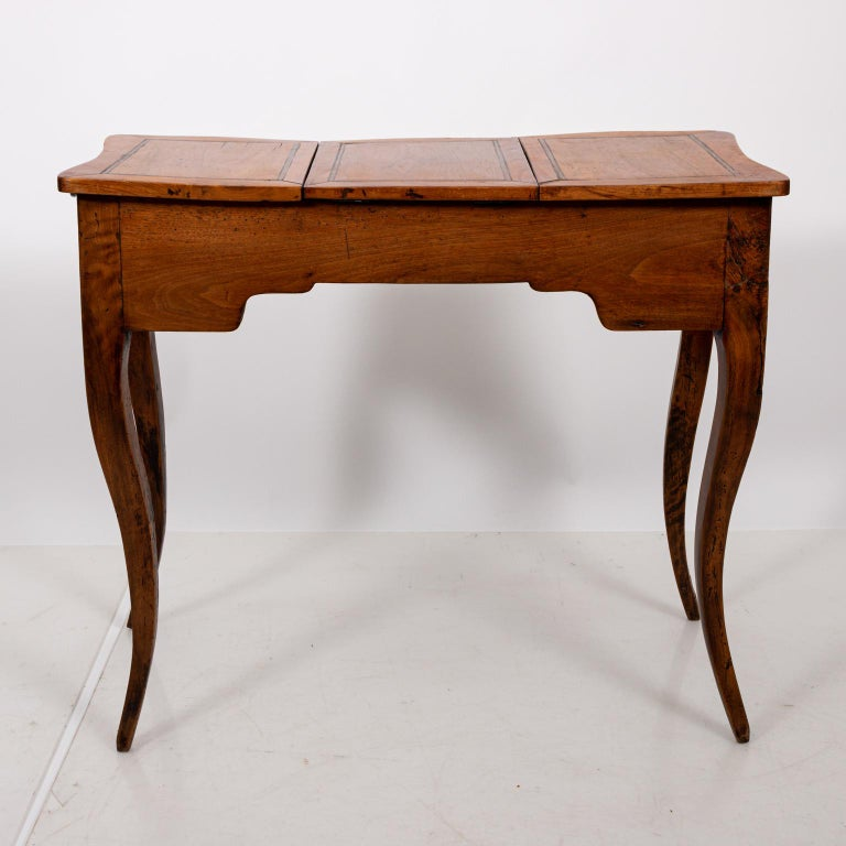 French Fruitwood Poudreuse For Sale 3