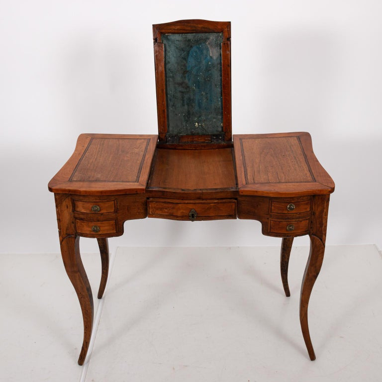French Fruitwood Poudreuse For Sale 4