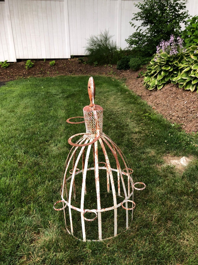 French Garden Planter in the Shape of a Maiden For Sale 1