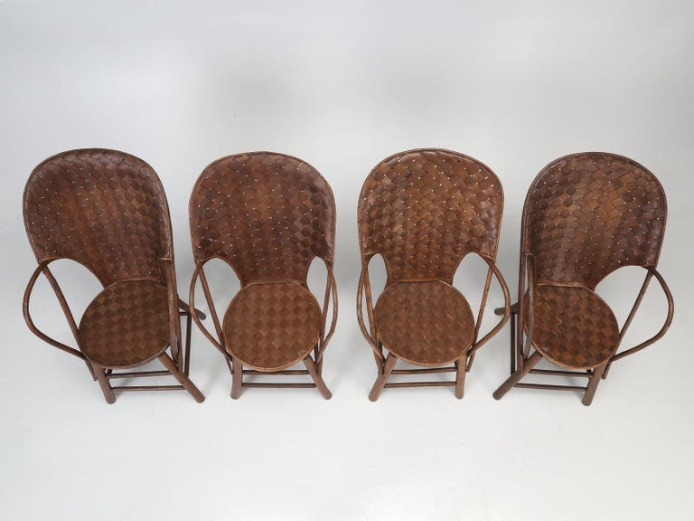 French Garden Table with '4' Matching Very Comfortable Armchairs For Sale 2