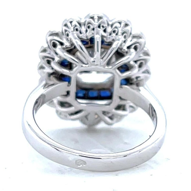 Women's or Men's French GIA 1.79 Carat Old Mine Cut Diamond Sapphire Cluster Ring For Sale