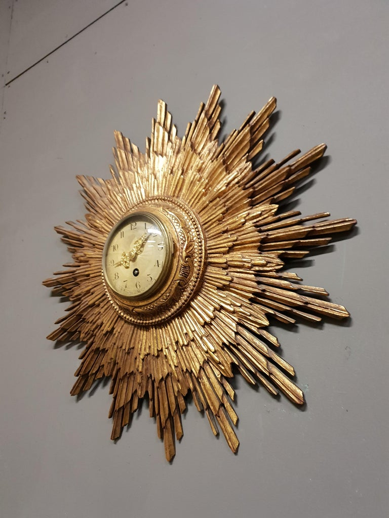 French Gilded Sunburst Signed Japy Frères Clock, circa 1920 In Good Condition For Sale In Winterswijk, NL