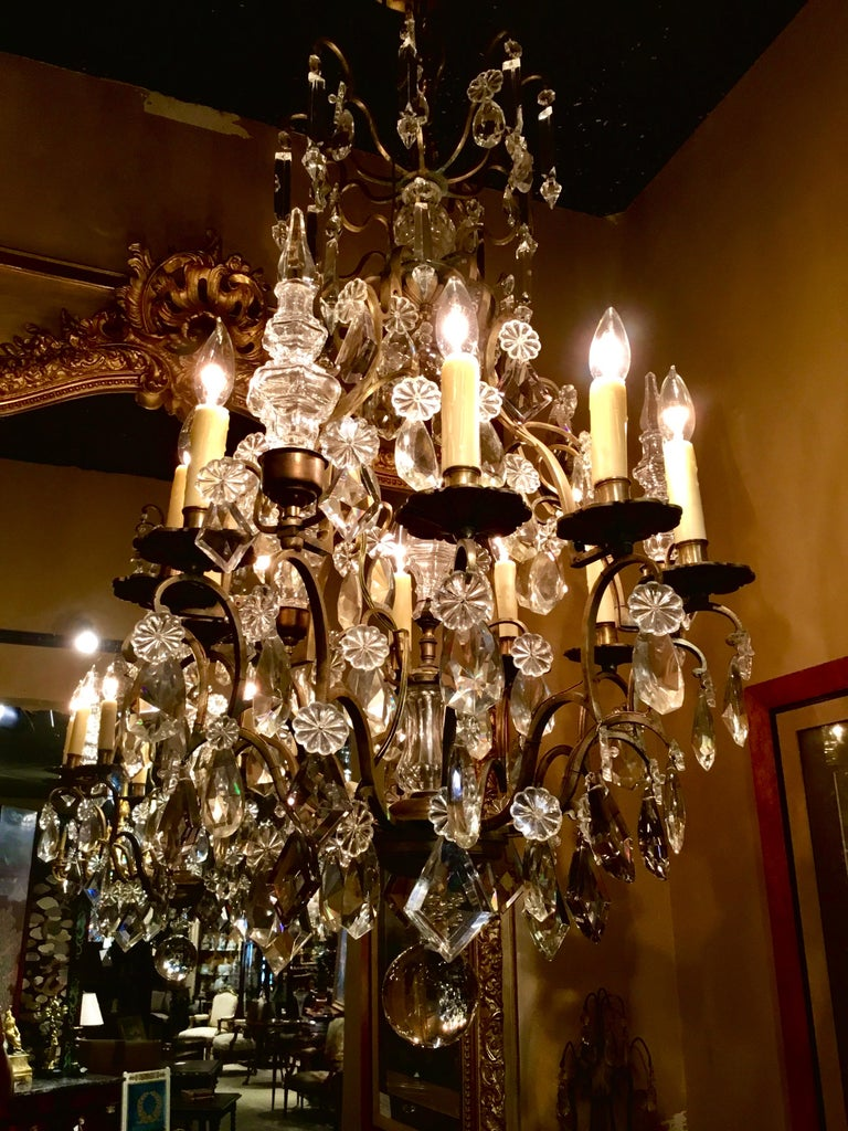 20th Century French Gilt Bronze and Crystal Chandelier of Baroque Inspiration, Nine-Light For Sale