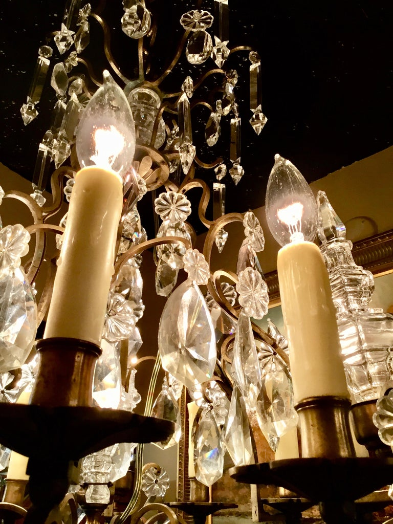 French Gilt Bronze and Crystal Chandelier of Baroque Inspiration, Nine-Light For Sale 3