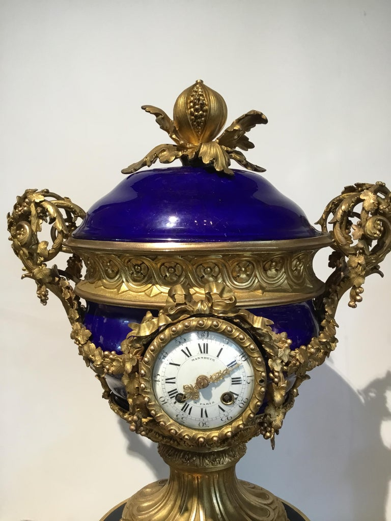 French Gilt Bronze and Porcelain XVI Urn Form Large Clock, circa 1880 For Sale 4