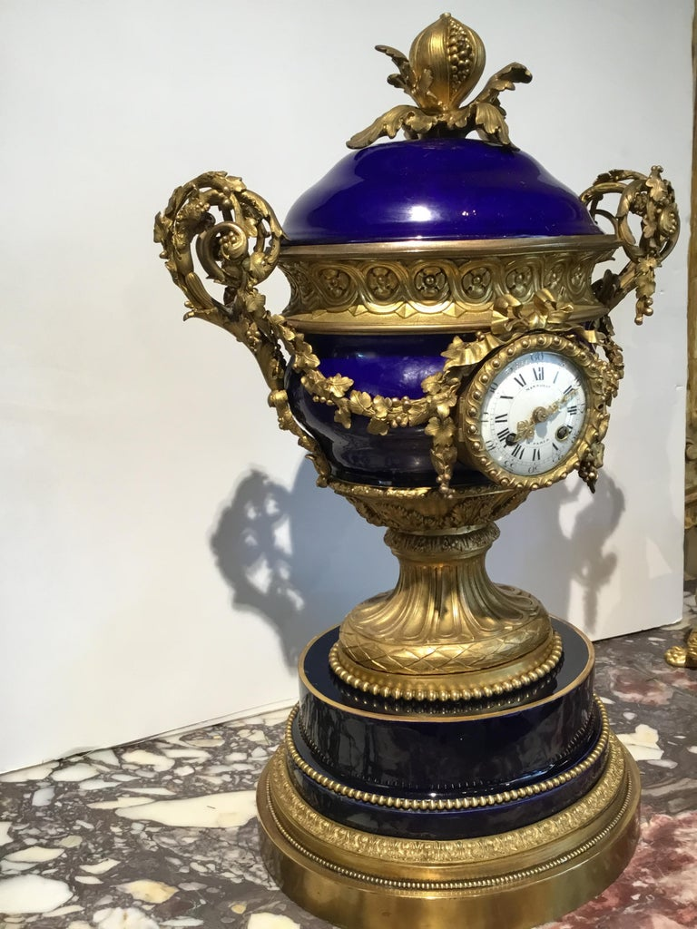 French Gilt Bronze and Porcelain XVI Urn Form Large Clock, circa 1880 For Sale 5