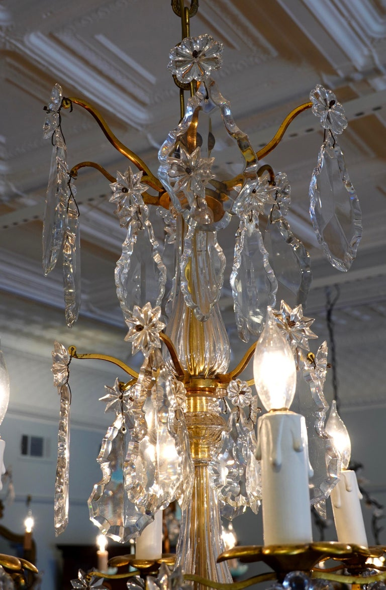 French Gilt-Bronze Chandelier with Exceptional Crystals For Sale 10