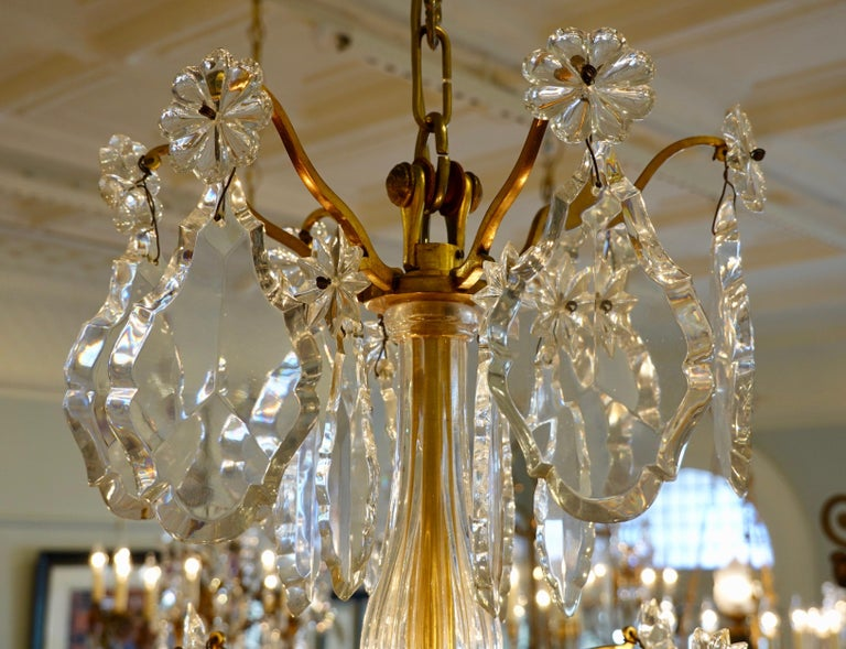 French Gilt-Bronze Chandelier with Exceptional Crystals For Sale 12