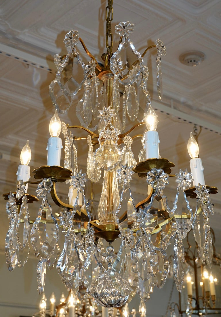 French Gilt-Bronze Chandelier with Exceptional Crystals For Sale 13