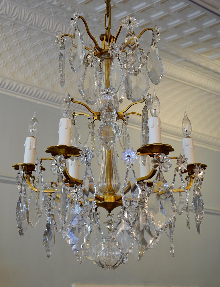 French Gilt-Bronze Chandelier with Exceptional Crystals In Good Condition For Sale In Charleston, SC