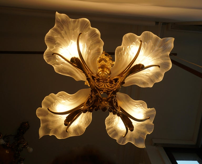 French Gilt Bronze Chandelier with Frosted Glass For Sale 3