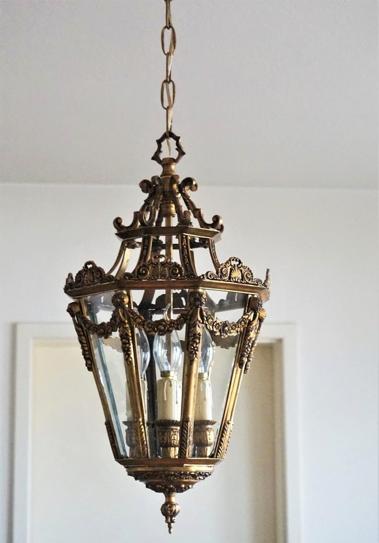 Late 19th Century French Gilt Bronze Eight-Sided Clear Glass Four-Light Lantern In Good Condition For Sale In Frankfurt am Main, DE