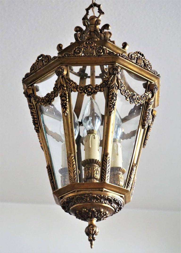 Late 19th Century French Gilt Bronze Eight-Sided Clear Glass Four-Light Lantern For Sale 3
