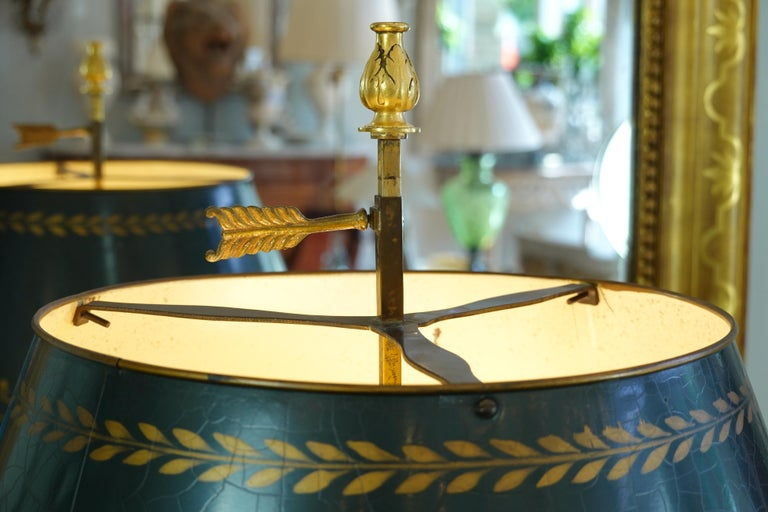 French Gilt-Bronze Neoclassical Bouillotte Lamp with Tole Shade For Sale 2