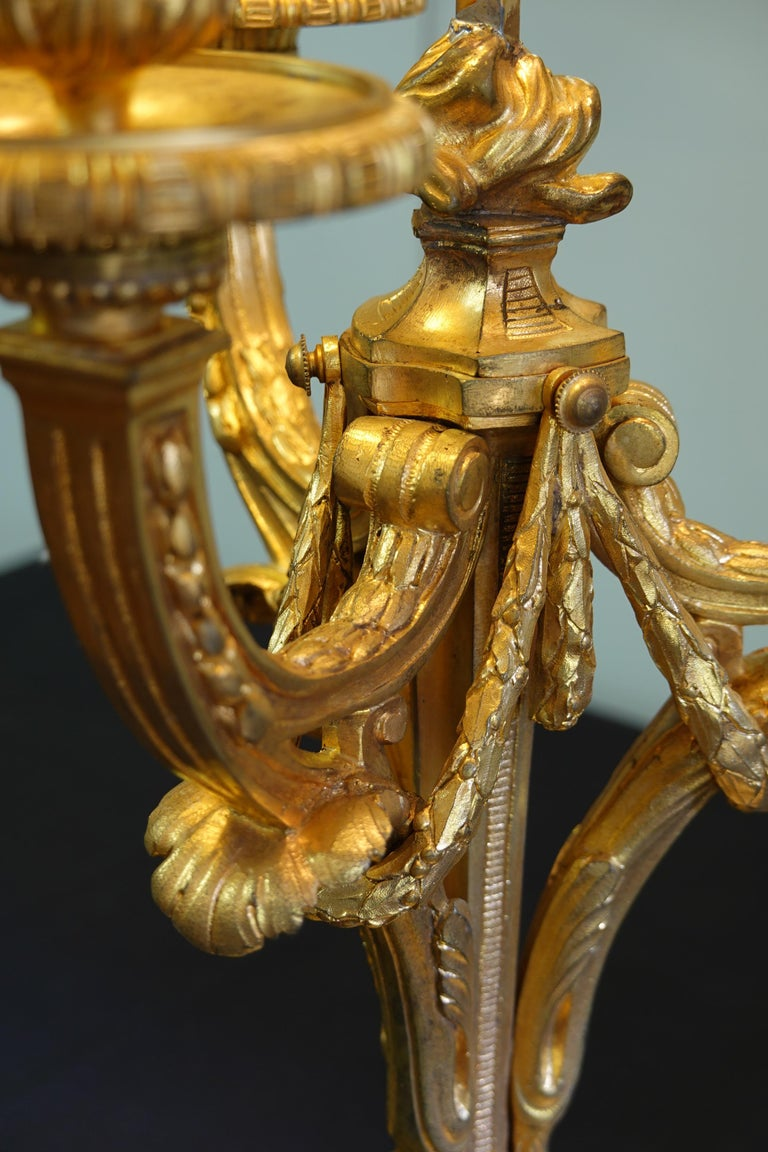 French Gilt-Bronze Neoclassical Bouillotte Lamp with Tole Shade For Sale 4