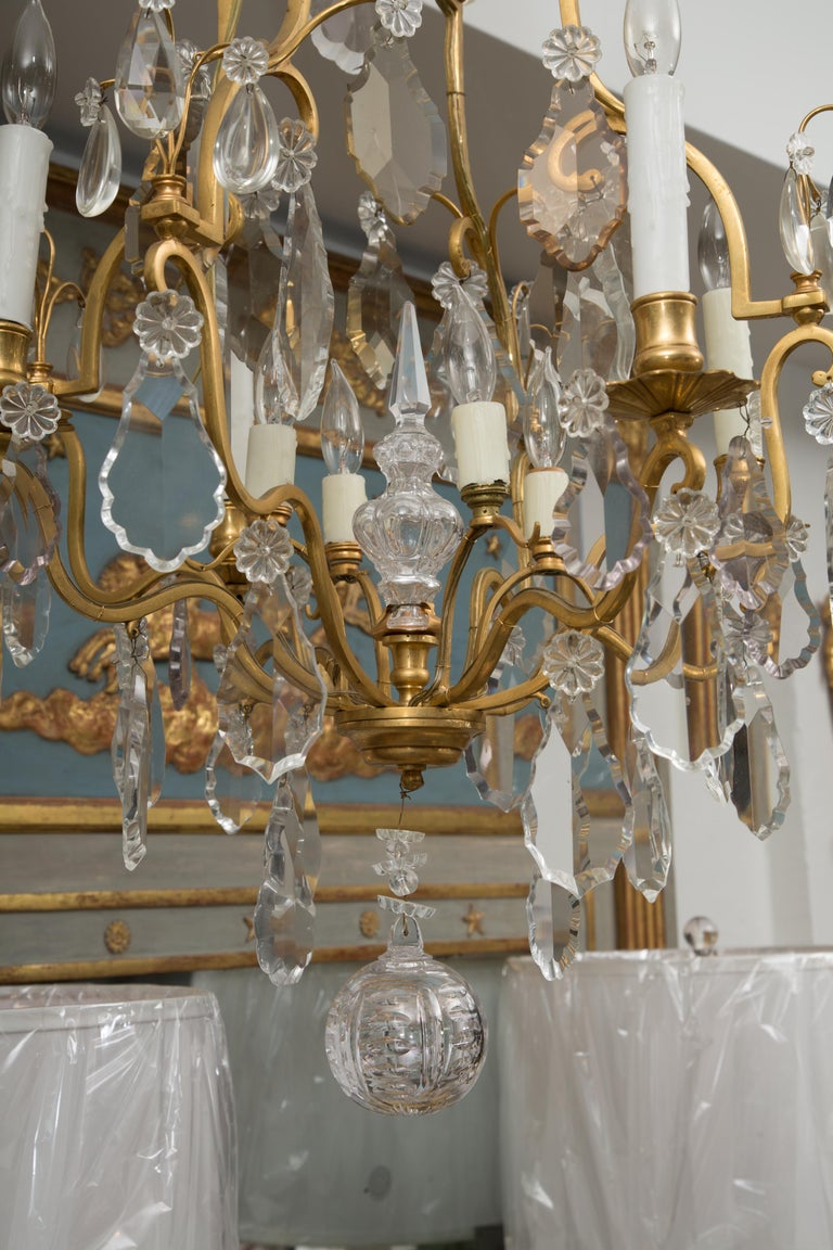 French Gilt Metal Chandelier with Crystal Drops For Sale 5