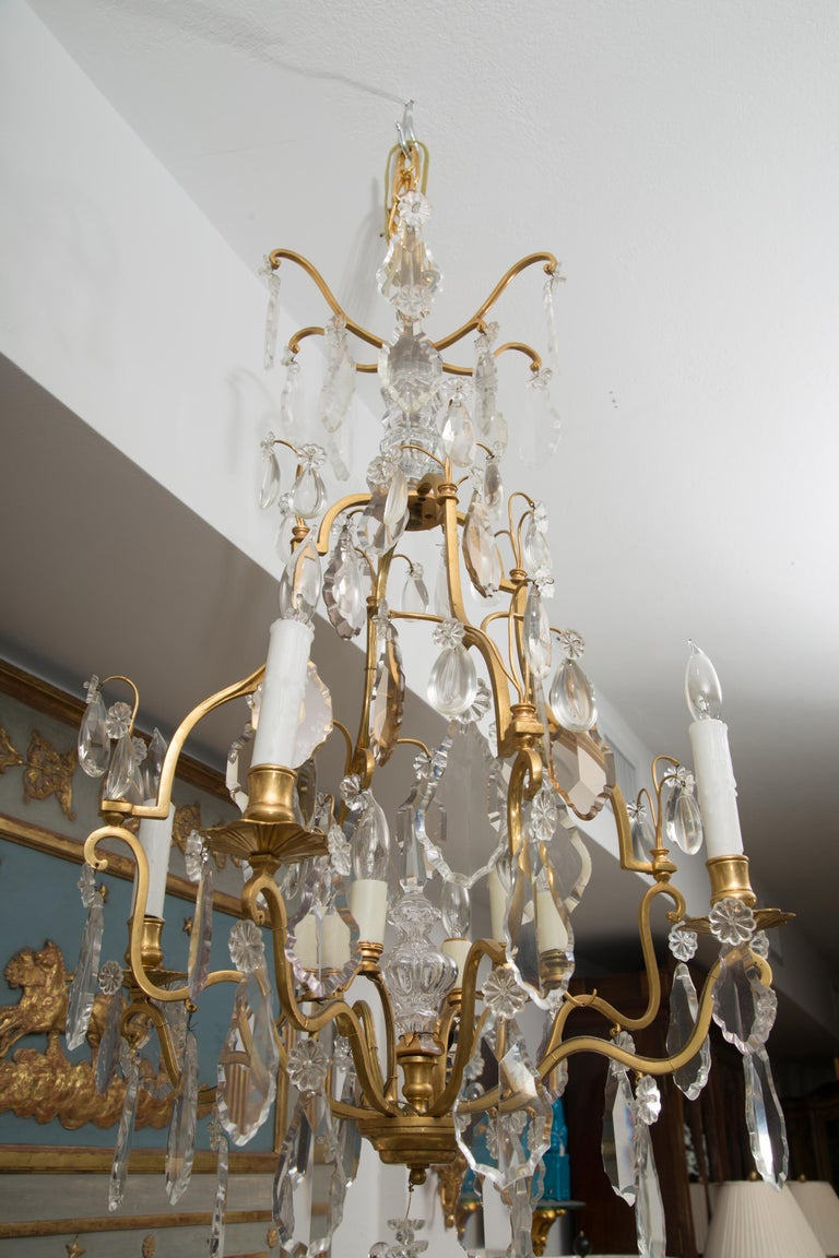 French Gilt Metal Chandelier with Crystal Drops In Good Condition For Sale In WEST PALM BEACH, FL