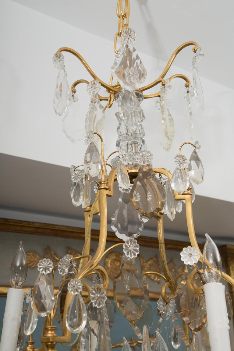 French Gilt Metal Chandelier with Crystal Drops For Sale 1