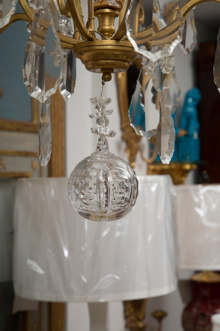 French Gilt Metal Chandelier with Crystal Drops For Sale 2