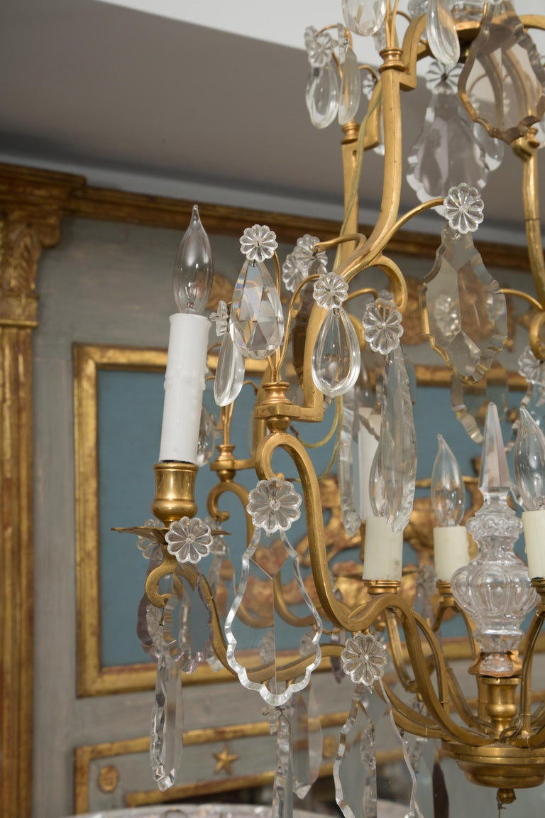 French Gilt Metal Chandelier with Crystal Drops For Sale 4