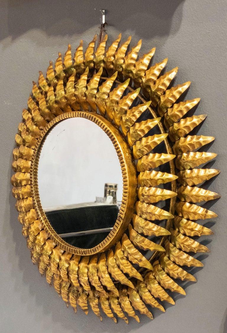 French Gilt Metal Sunburst Mirror (Diameter 20) In Good Condition For Sale In Austin, TX