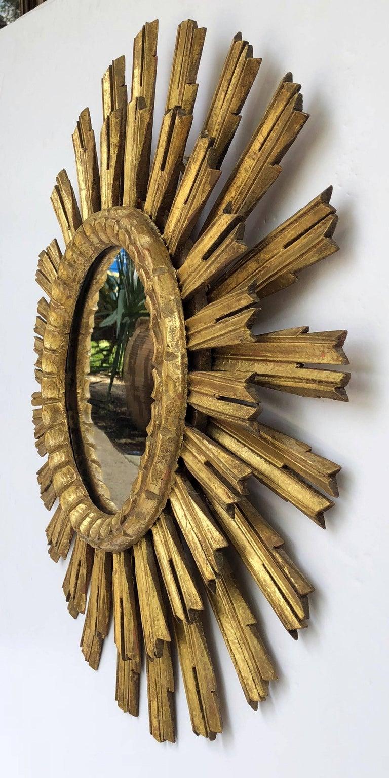 French Gilt Starburst or Sunburst Mirror (Diameter 25) In Excellent Condition For Sale In Austin, TX