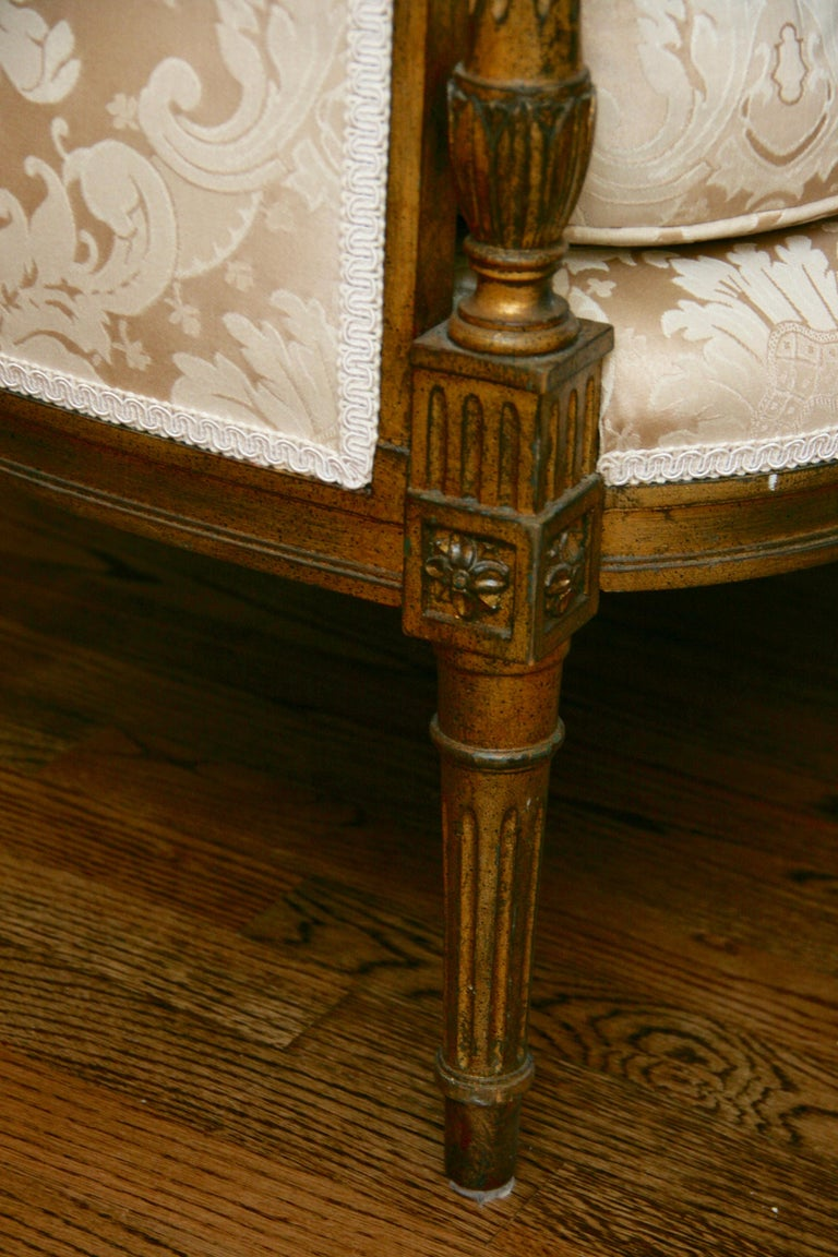 French Giltwood Sofa Settee In Good Condition For Sale In Douglas Manor, NY