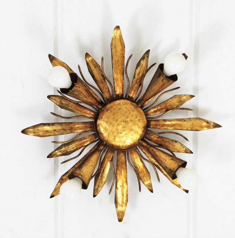 French Gold Gilt Iron Sunburst Flush Mount or Light Fixture, 1940s In Excellent Condition For Sale In Barcelona, ES