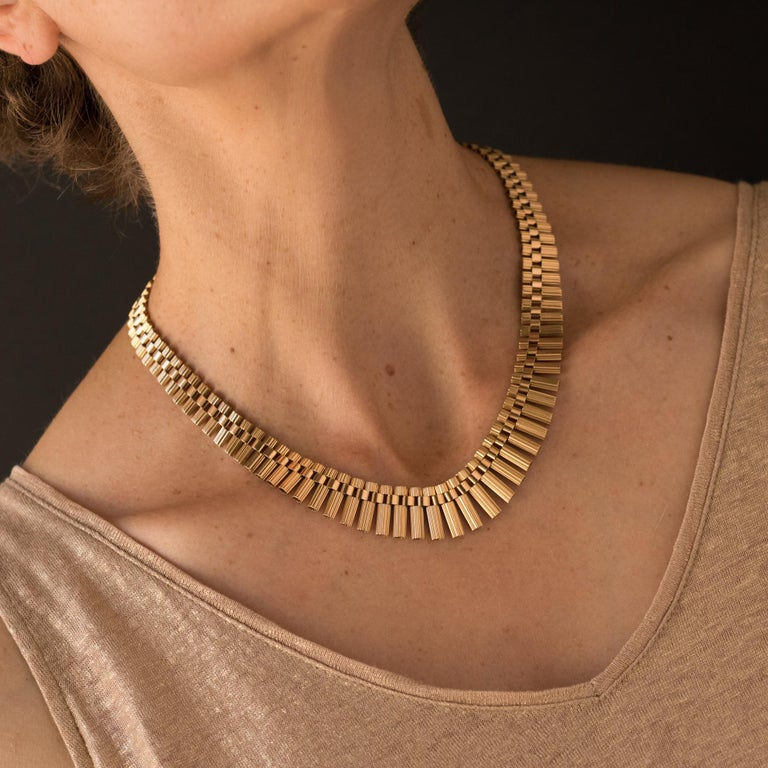 French Gold necklace For Sale 3