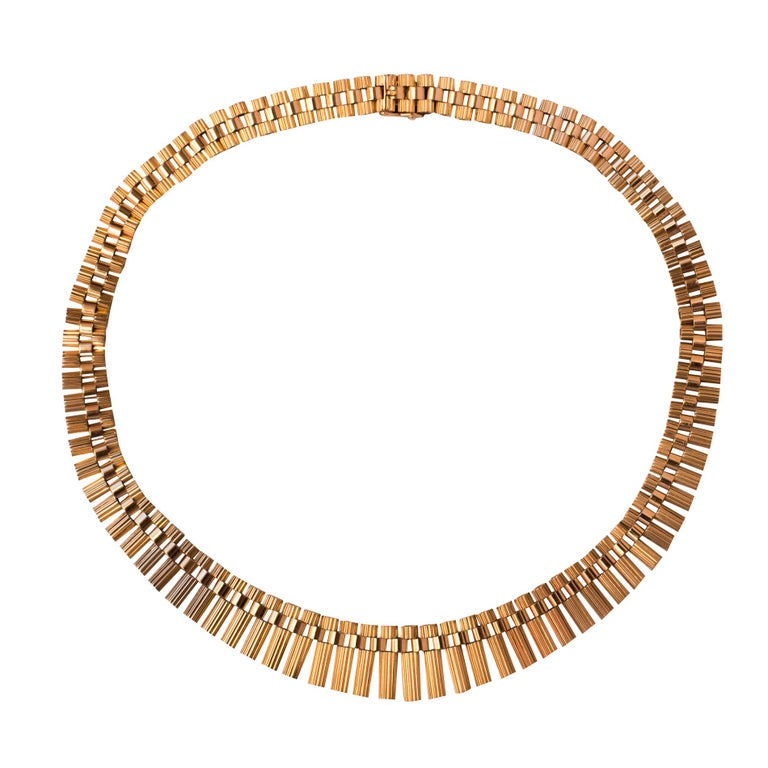 French Gold necklace For Sale