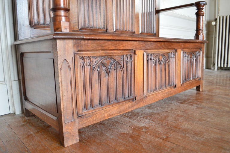 French Gothic Hall Chest Bench in Carved Walnut, circa 1890 For Sale 6