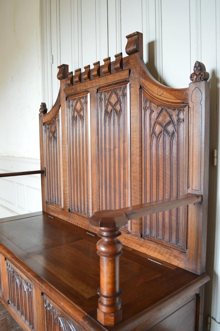 French Gothic Hall Chest Bench in Carved Walnut, circa 1890 For Sale 7