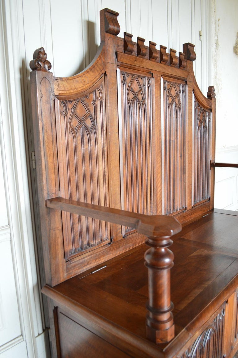 French Gothic Hall Chest Bench in Carved Walnut, circa 1890 For Sale 8