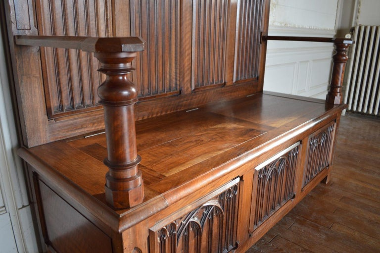 French Gothic Hall Chest Bench in Carved Walnut, circa 1890 For Sale 1