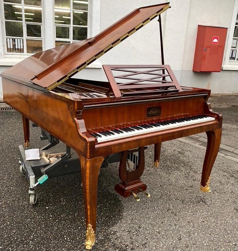 French Grand Piano Mercier Louis XV Ormolu Bronzes Marquetry Mahogany Rosewood  In Excellent Condition For Sale In Ettlingen, DE