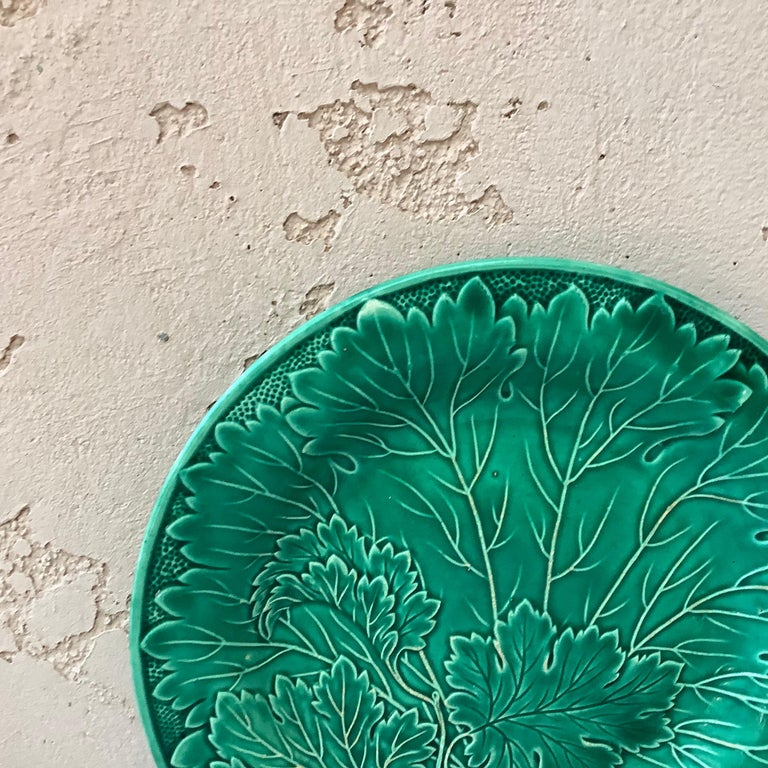 Country French Green Majolica Leaves Plate Montereau, circa 1890 For Sale