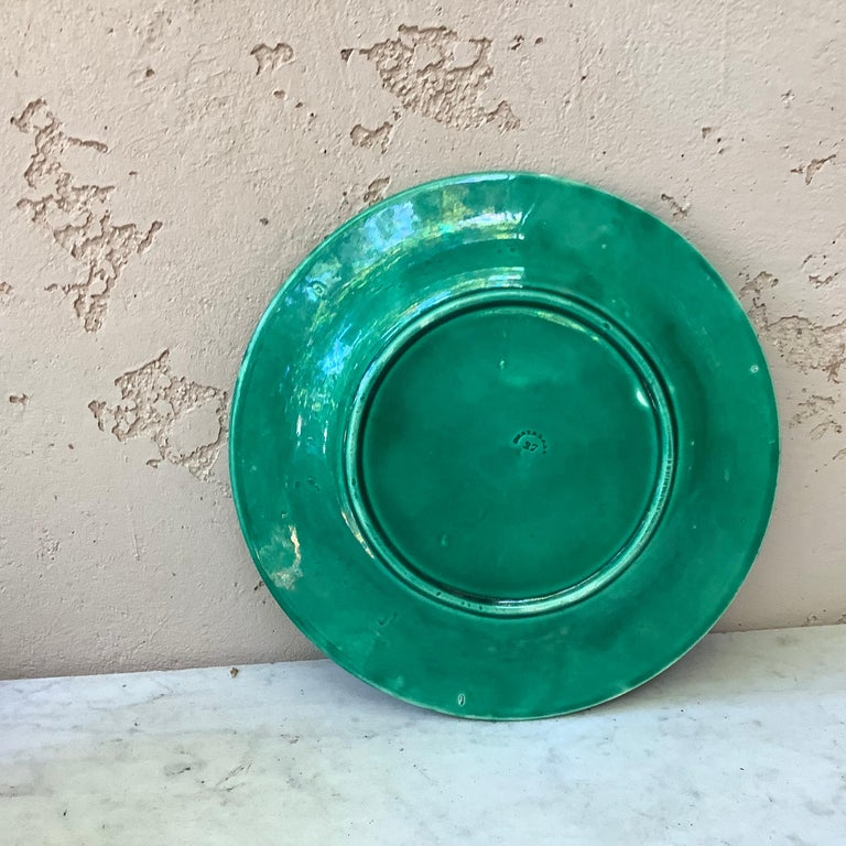 Late 19th Century French Green Majolica Leaves Plate Montereau, circa 1890 For Sale