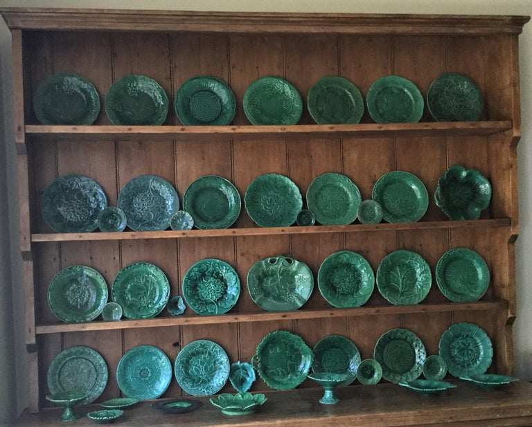 French Green Majolica Leaves Plate Montereau, circa 1890 For Sale 1