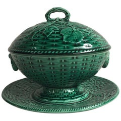 French Green Majolica Tureen with Stand Sarreguemines, circa 1870
