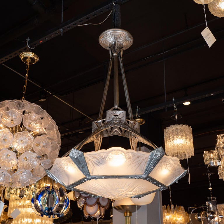 French Art Deco Cubist Silvered Bronze and Frosted Glass Chandelier In Excellent Condition For Sale In New York, NY