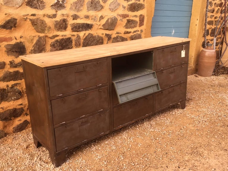 French Industrial Metal and Wood Enfilade by Tolix, 1950s For Sale 1