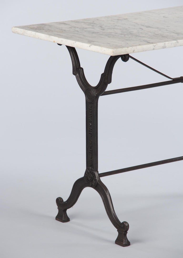 French Iron Base and Marble-Top Bistro Table, 1920s For Sale 1