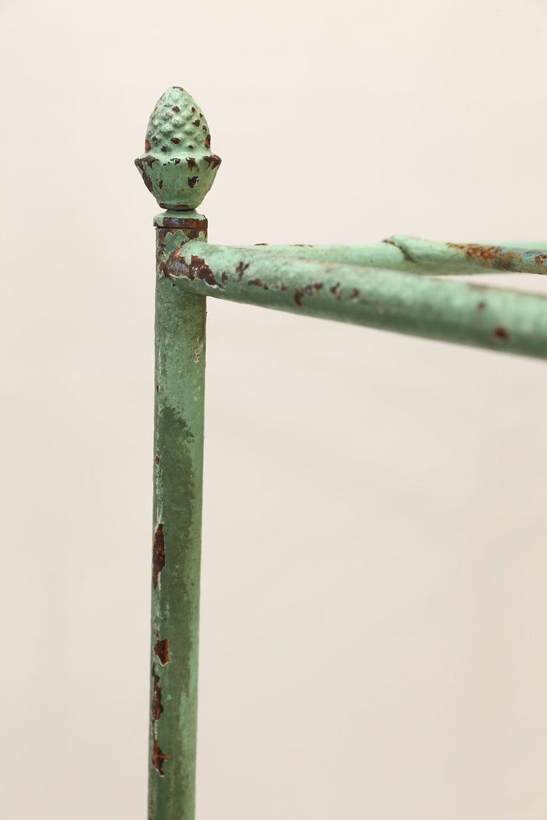 French Iron Étagère Painted in Pale Green For Sale 7