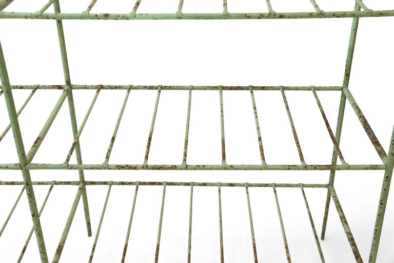 French Iron Étagère Painted in Pale Green For Sale 3