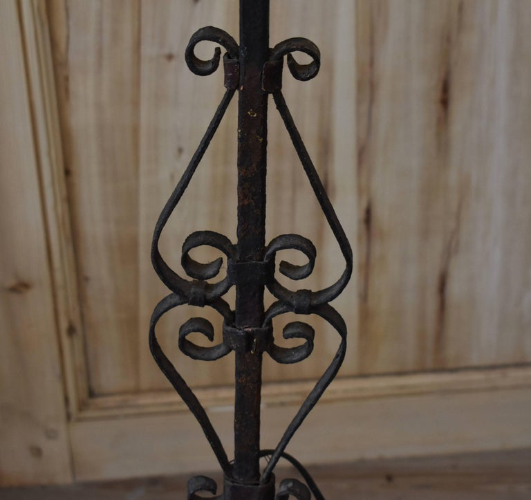 French Iron Torchiere Floor Lamp In Good Condition For Sale In Encinitas, CA