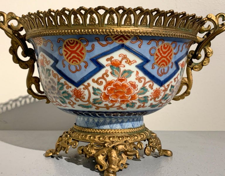French Japonisme Ormolu Mounted Japanese Imari Bowl Centerpiece For Sale 2