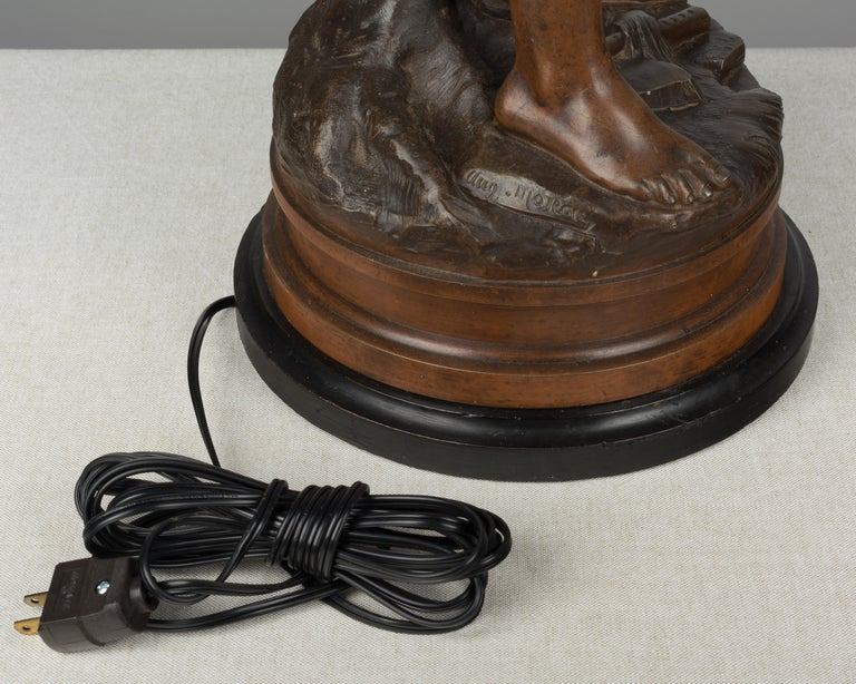 French Lamp Sculpture by Auguste Moreau For Sale 4
