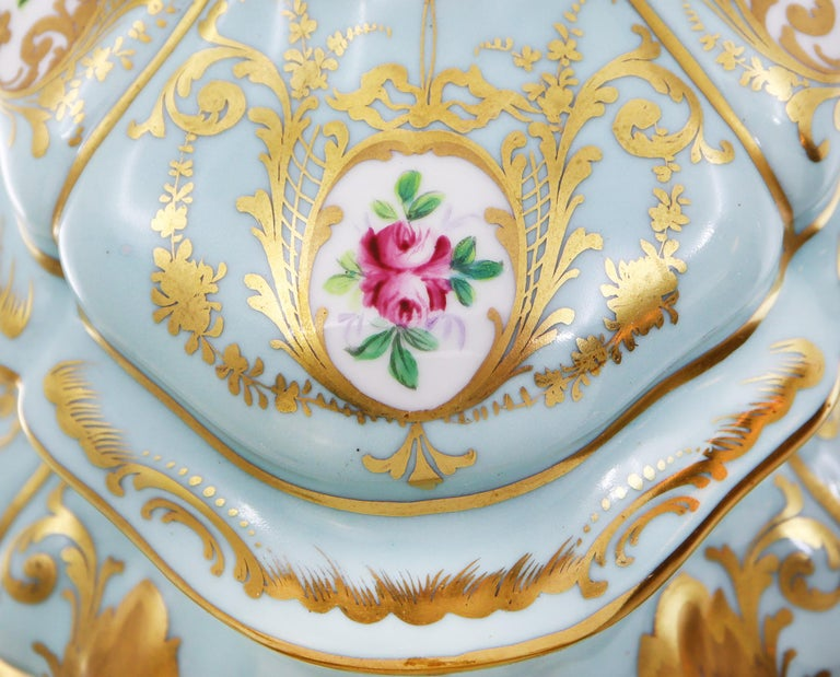 French Le Tallec Hand Painted Porcelain Soupière, Mid-20th Century, Rococo Style In Good Condition For Sale In Katwijk aan Zee, NL
