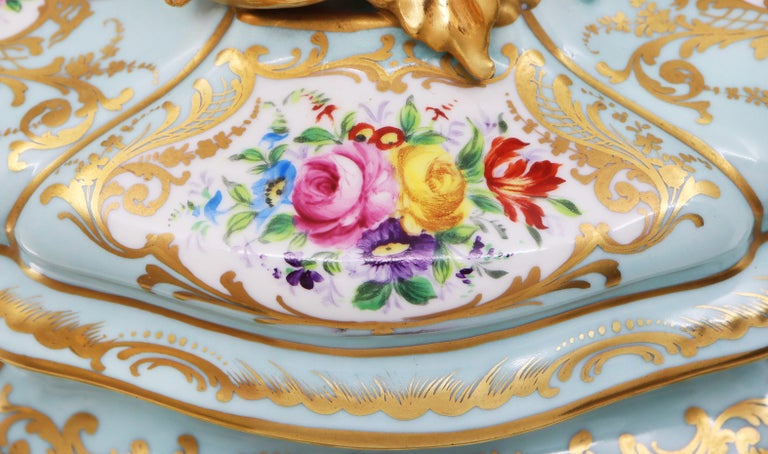 French Le Tallec Hand Painted Porcelain Soupière, Mid-20th Century, Rococo Style For Sale 1